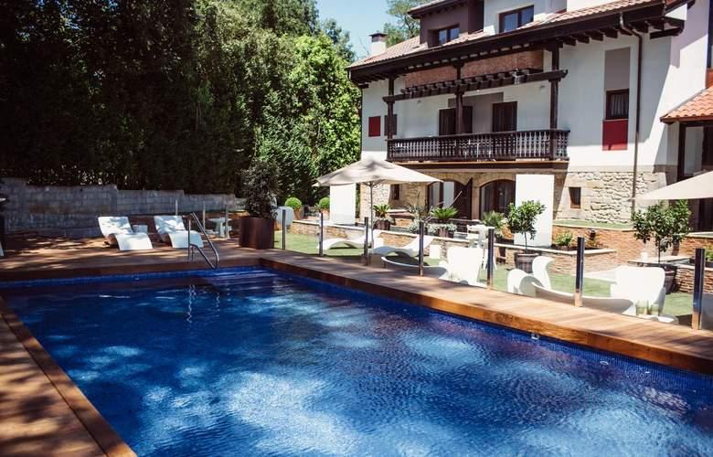 Cuevas - Pool - 3