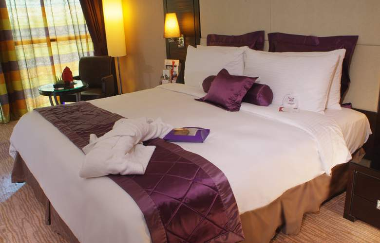 Crowne Plaza Kuwait - Room - 1