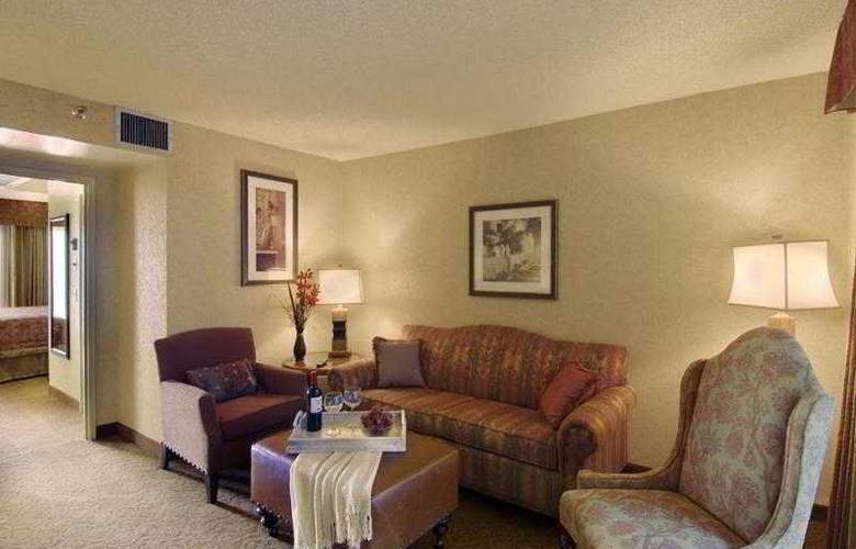 Embassy Suites Santa Ana / Orange County Airport - Hotel - 9