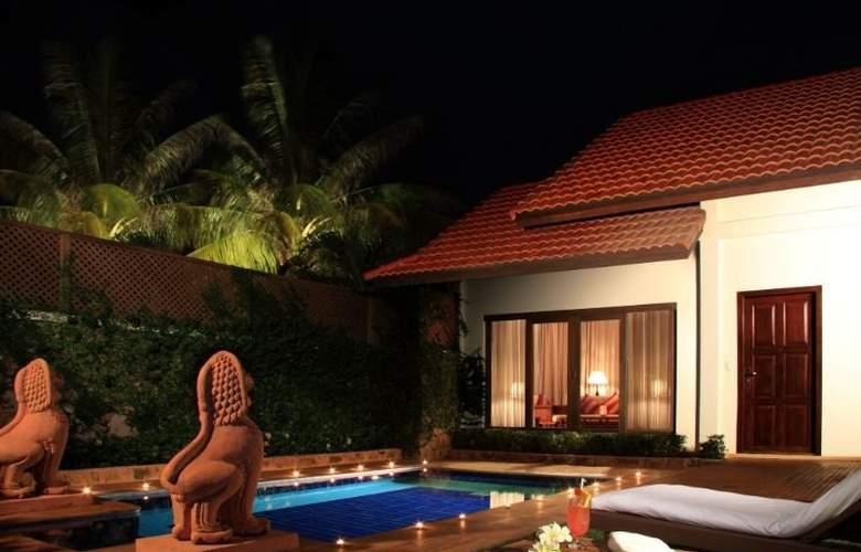 Palace Residence & Villa - Pool - 1
