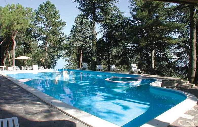 Bluebay Colle Della Trinità Perugia - Pool - 8