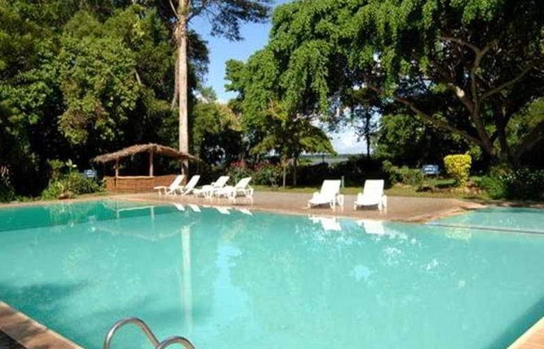 Galway Miridiya Lodge - Pool - 4