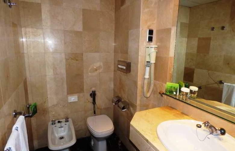 Expo Hotel  Barcelona - Room - 15
