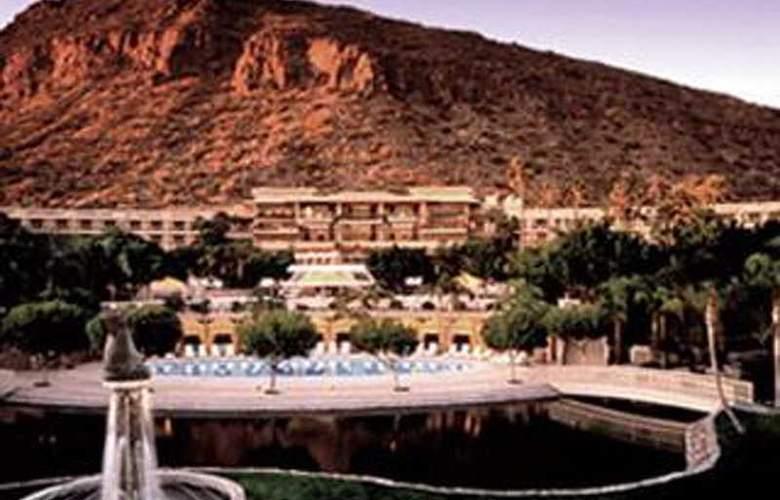 The Phoenician - Hotel - 0