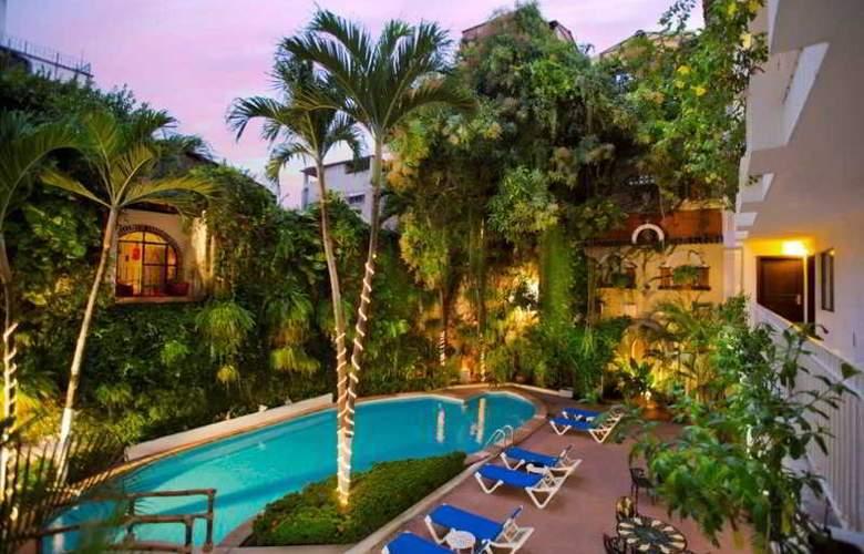 Los Arcos Suites - Pool - 6