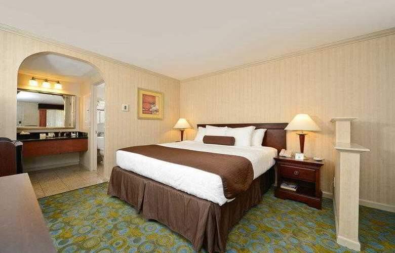 Best Western Plus Executive Suites - Hotel - 1