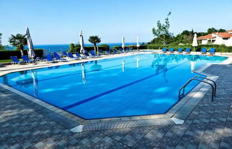 Olympus Thea - Pool - 9