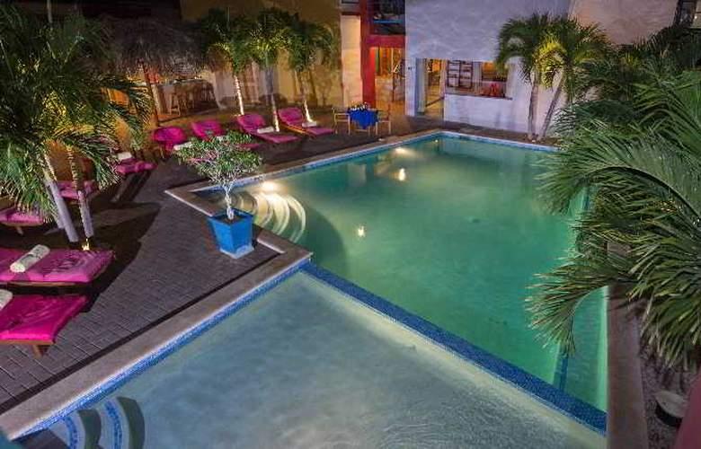 The Ritz Studios - Pool - 30
