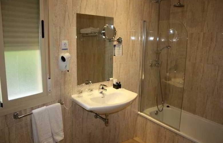 Suites Feria de Madrid - Room - 9