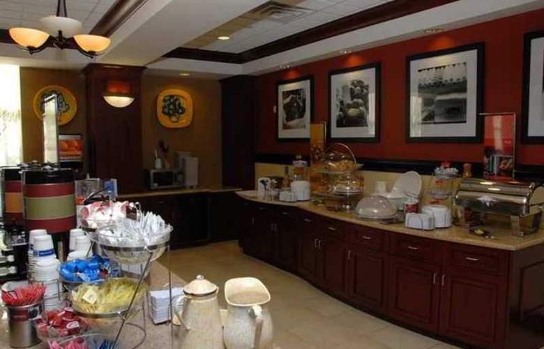 Hampton Inn & Suites Staten Island - Hotel - 8