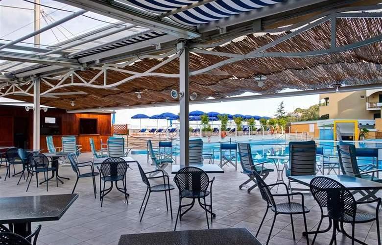 Best Western La Solara Sorrento - Pool - 31