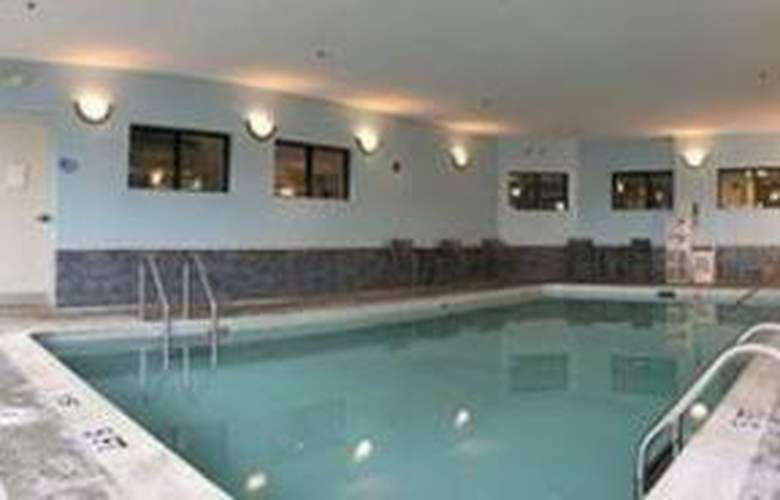 Sleep Inn & Suites - Pool - 5