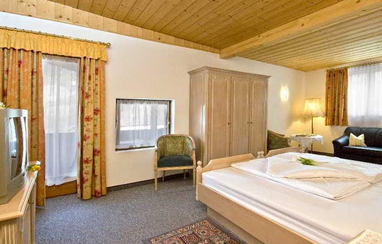 Gisela Hotel - Room - 3