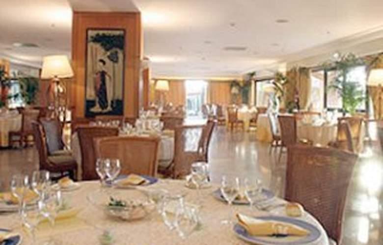 Holiday Inn Resort Naples Castel Volturno - Restaurant - 9