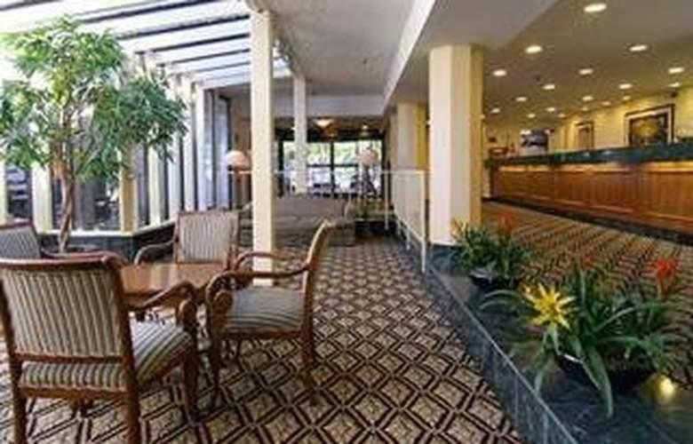 Clarion Hotel Mansion Inn - Hotel - 0
