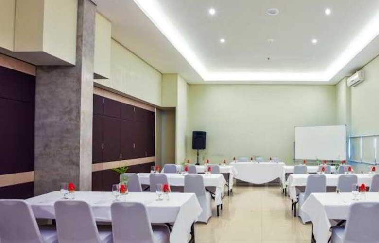 Grandmas Tuban Hotel - Conference - 6