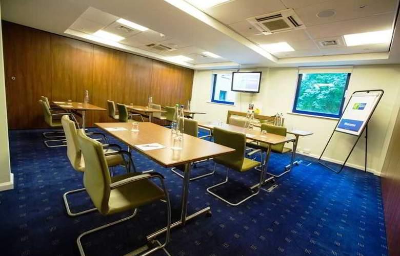 Holiday Inn Express London Stratford - Conference - 25