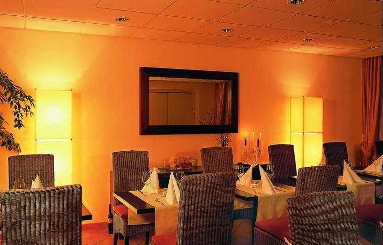 Gold Inn Hotel Prinz Eugen - Restaurant - 4