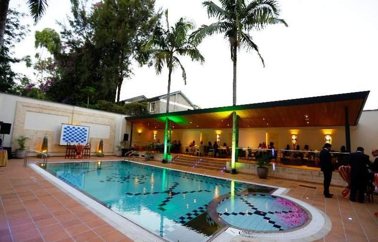 The Heron Portico - Pool - 30