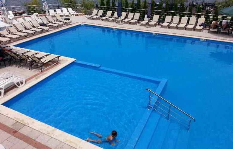 Mirage Snagov Hotel resort - Pool - 8