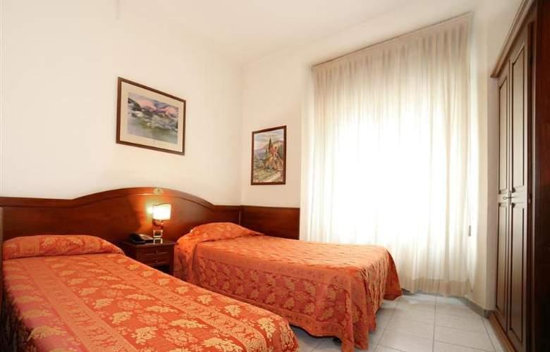 Hotel Pavone - Hotel - 10