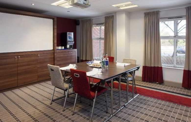 Holiday Inn Express Bristol North - Restaurant - 11