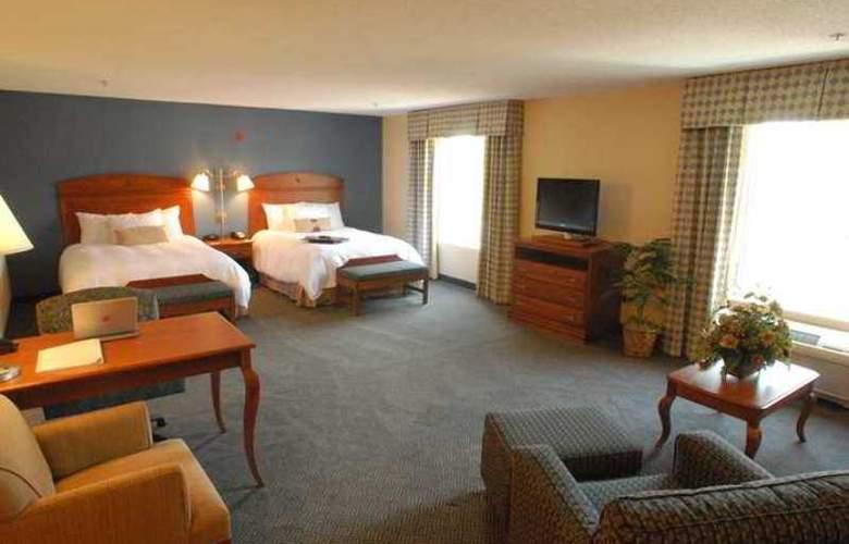 Hampton Inn Gloucester - Hotel - 1