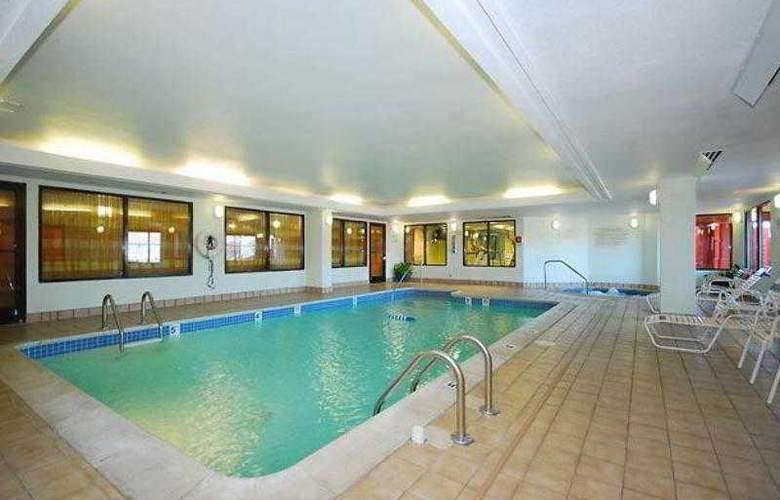 Quality Inn Boston-Revere - Hotel - 11