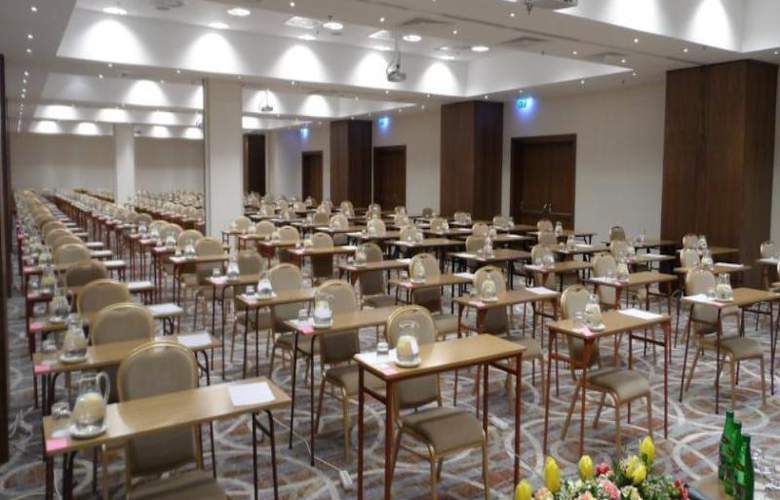 Hilton Garden Inn Rzeszow - Conference - 13