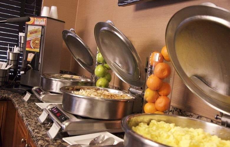 Best Western InnSuites Phoenix - Restaurant - 87