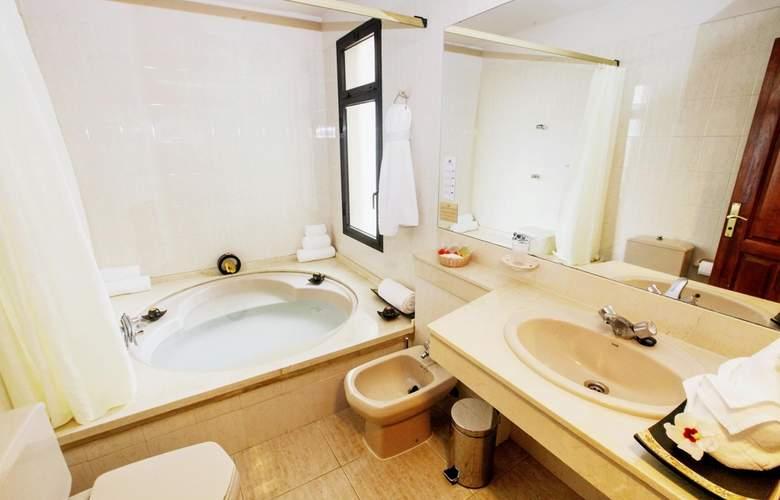 Royal Sun Resort - Room - 11
