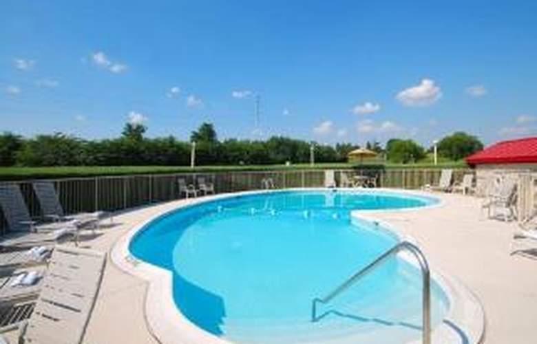 Comfort Inn - Pool - 6