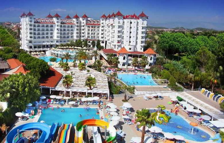 Serenis Hotel - Pool - 14