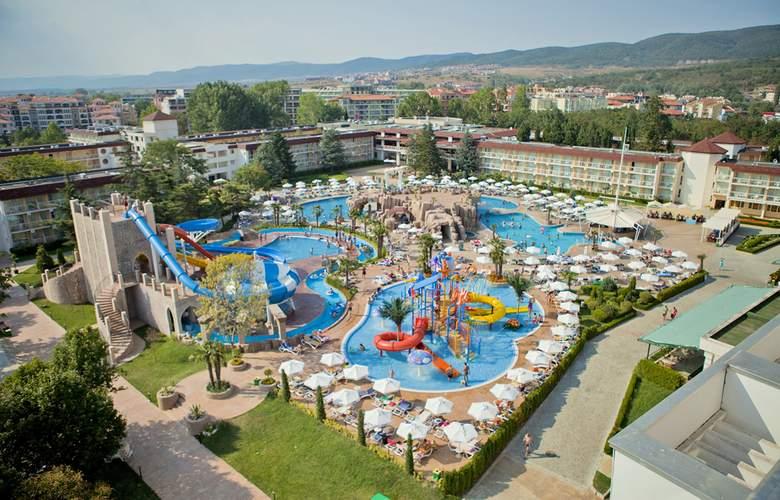 Evrika Beach Club - Pool - 3