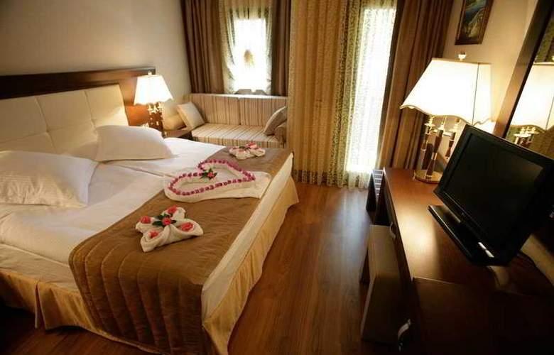 Latanya Beach Resort - Room - 10