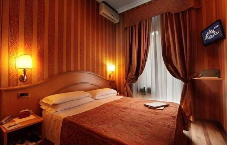 Solis - Room - 14