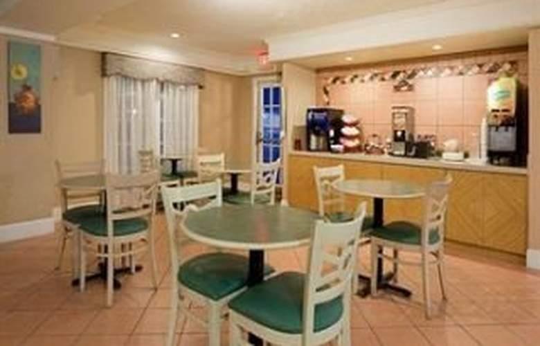 La Quinta Inn Dallas / Uptown - Restaurant - 10