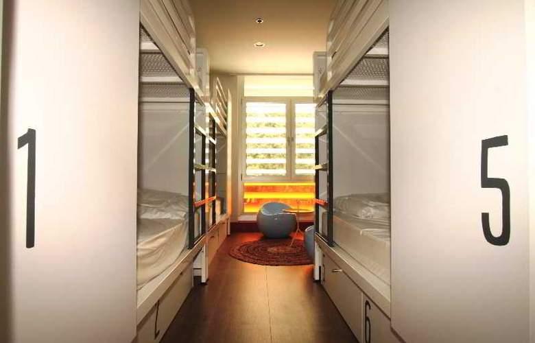 Generator Hostel Barcelona - Room - 2