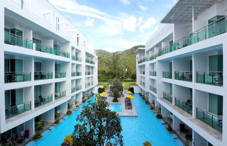 Old Phuket - Karon Beach Resort - Pool - 29