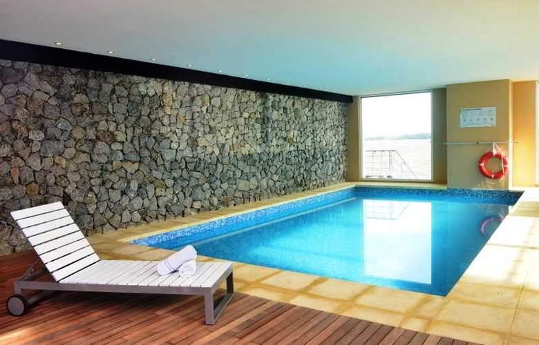 Radisson Colonia del Sacramento Hotel & Casino - Pool - 41