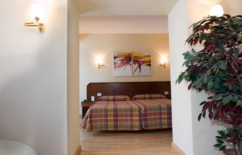 Unzaga Plaza - Room - 2