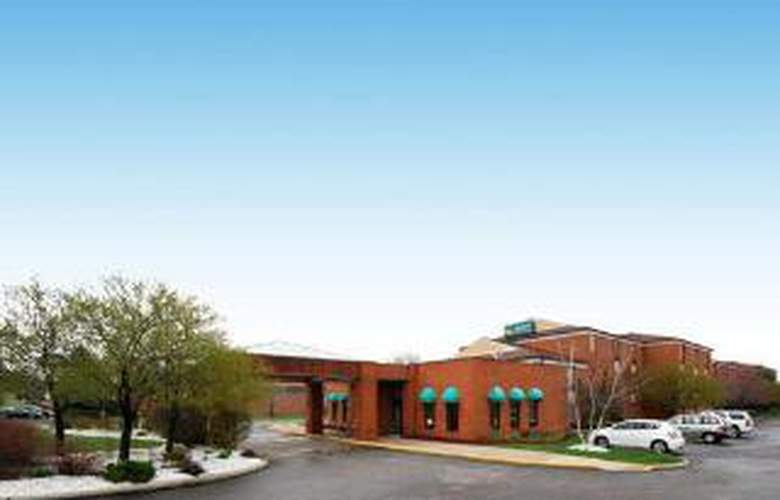 Quality Inn & Suites Airport - General - 4