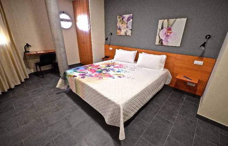 Hotel Puerto Canteras - Room - 8