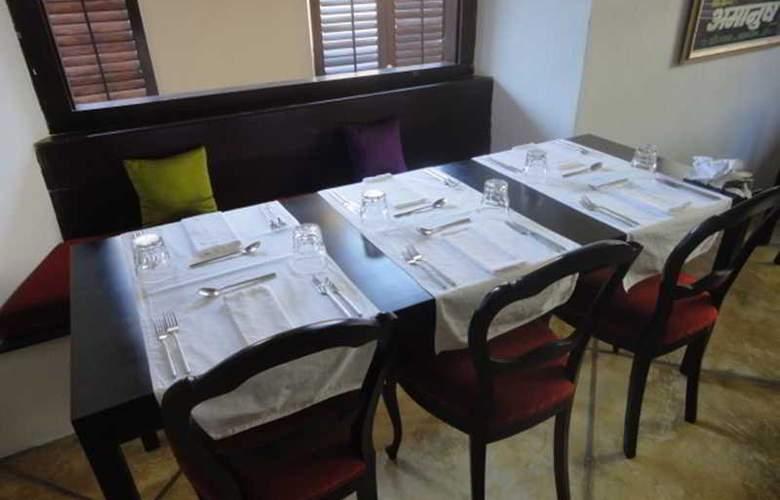 Fort Printers - Restaurant - 12