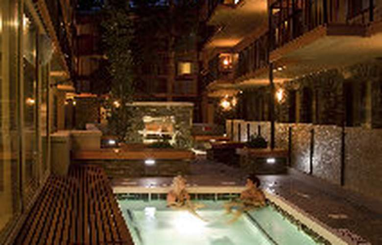 Banff Aspen Lodge - Pool - 2