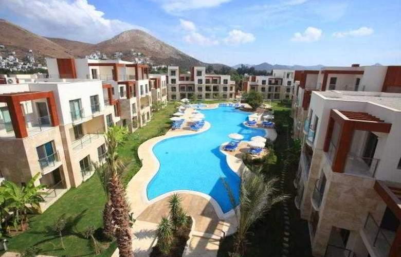 Sundance Suites Hotel - Pool - 16