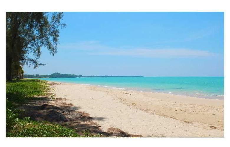 Mai Khao Lak Beach Resort & Spa - Beach - 4