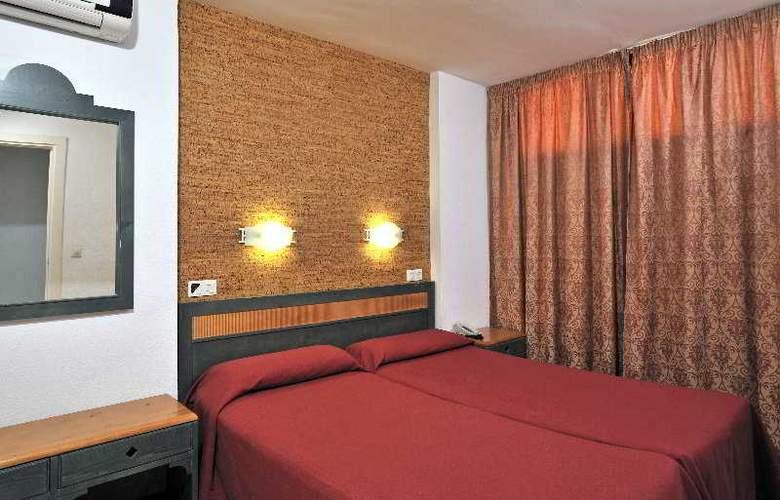 Globales Apartamentos Verdemar - Room - 5
