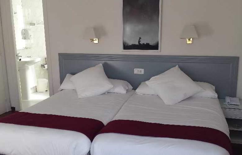 Vigo Plaza - Room - 8