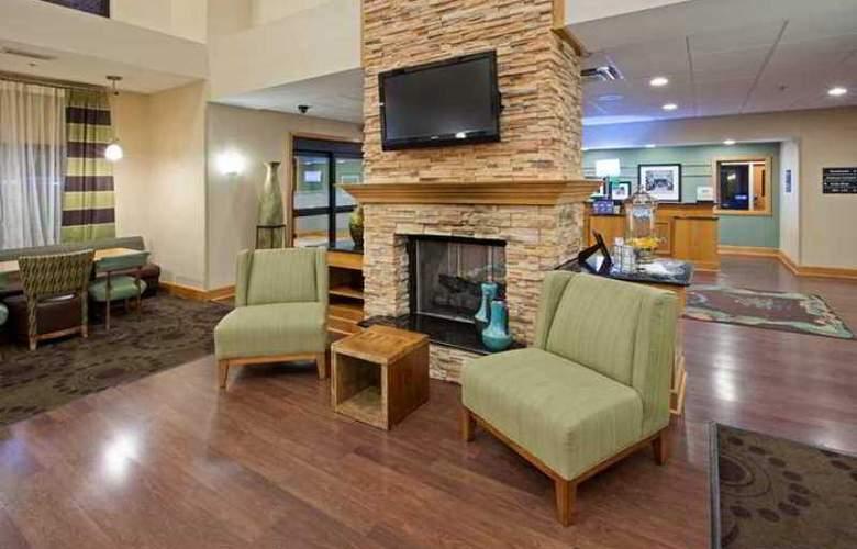 Hampton Inn & Suites Canton - Hotel - 3